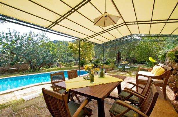 rentavillamallorca.com/villa137/altan