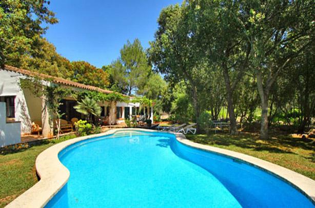 rentavillamalllorca.com/villa106/pool