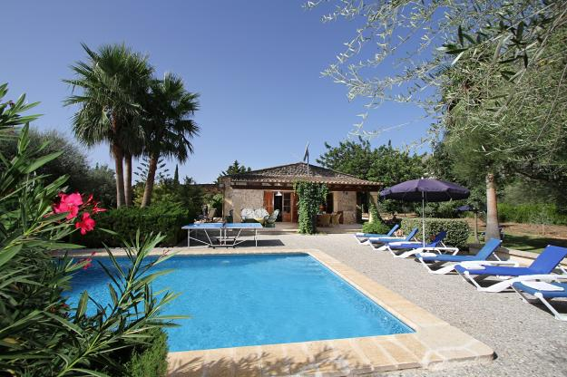 rent of villas in mallorca/villa105/piscina