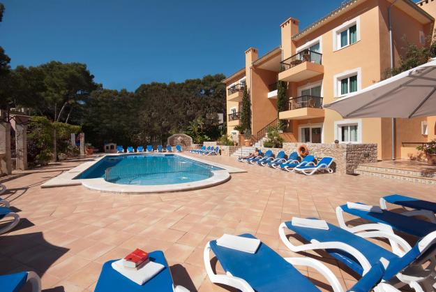 holiday-apartments-with-pool-for-rent-in-mallorca